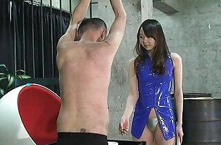 Japanese Mistress Risa facesitting