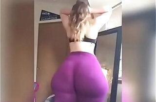 Show huge booty webcam