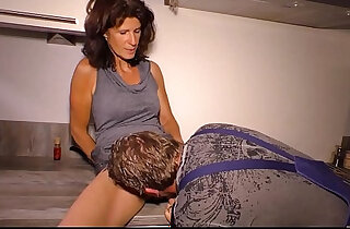 HAUSFRAU FICKEN Cock sucking German cheating horny wife is a granny who likes reverse cowgirl sex