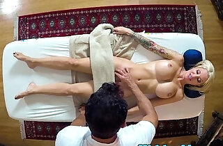 Perfect babe gets pounded by masseur